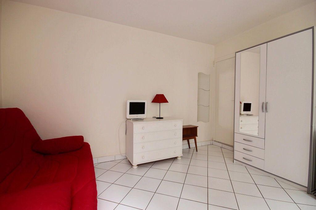 Appartement à louer 1 18m2 à Paris 14 vignette-2