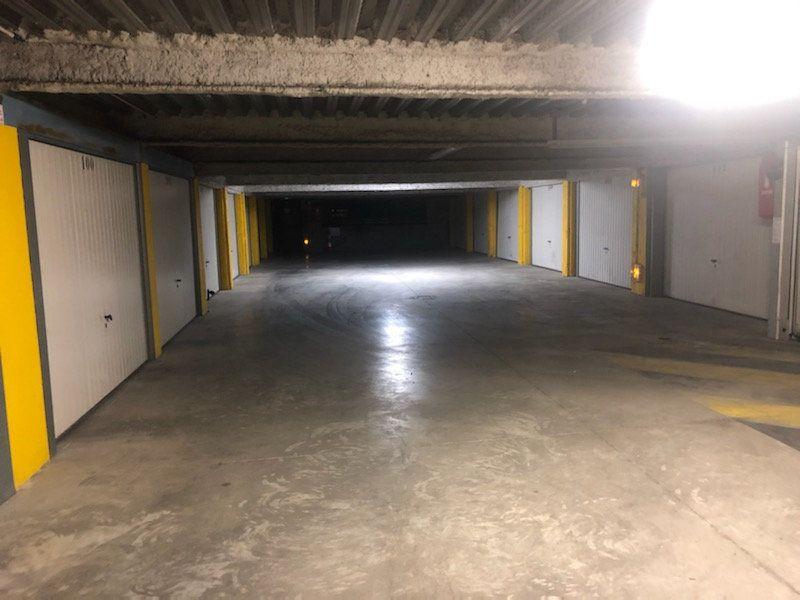 Stationnement à louer 0 15m2 à Montrouge vignette-2