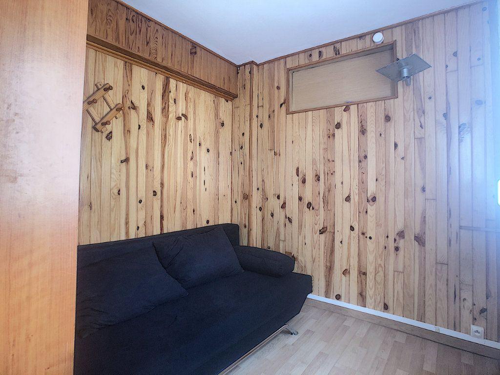 Appartement à louer 1 16m2 à Malakoff vignette-3