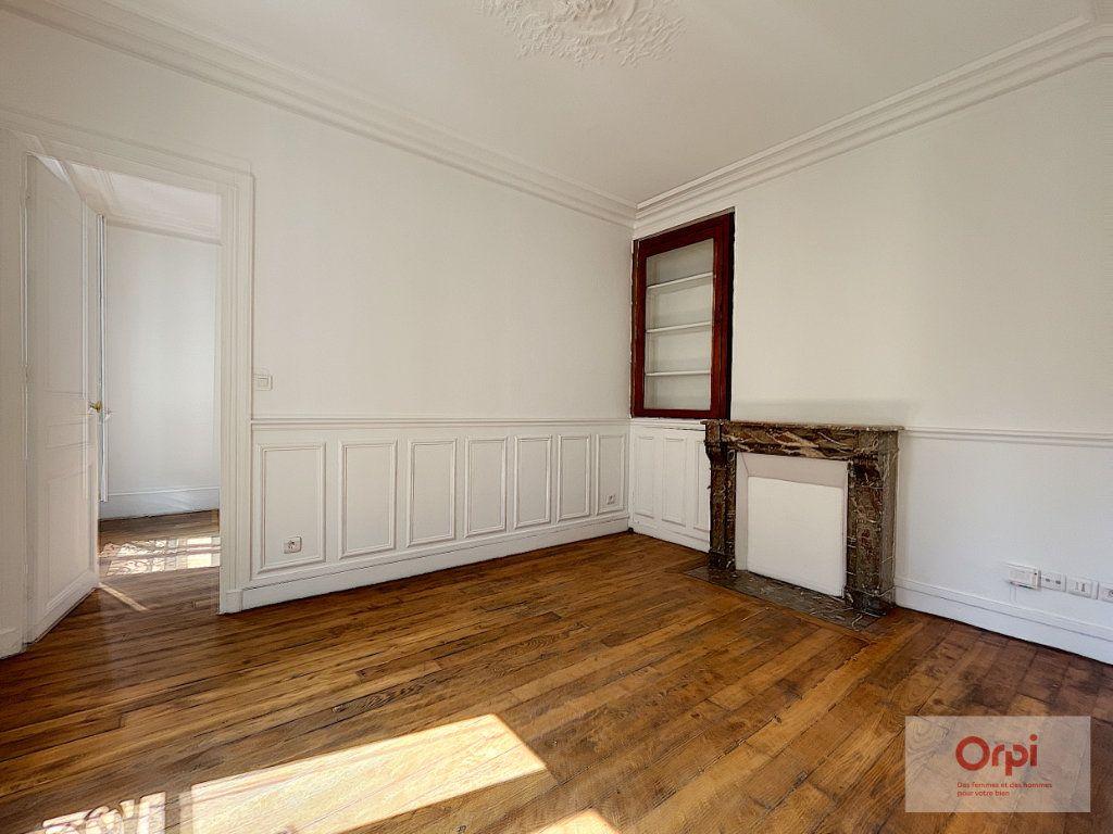 Appartement à louer 2 35m2 à Paris 14 vignette-1