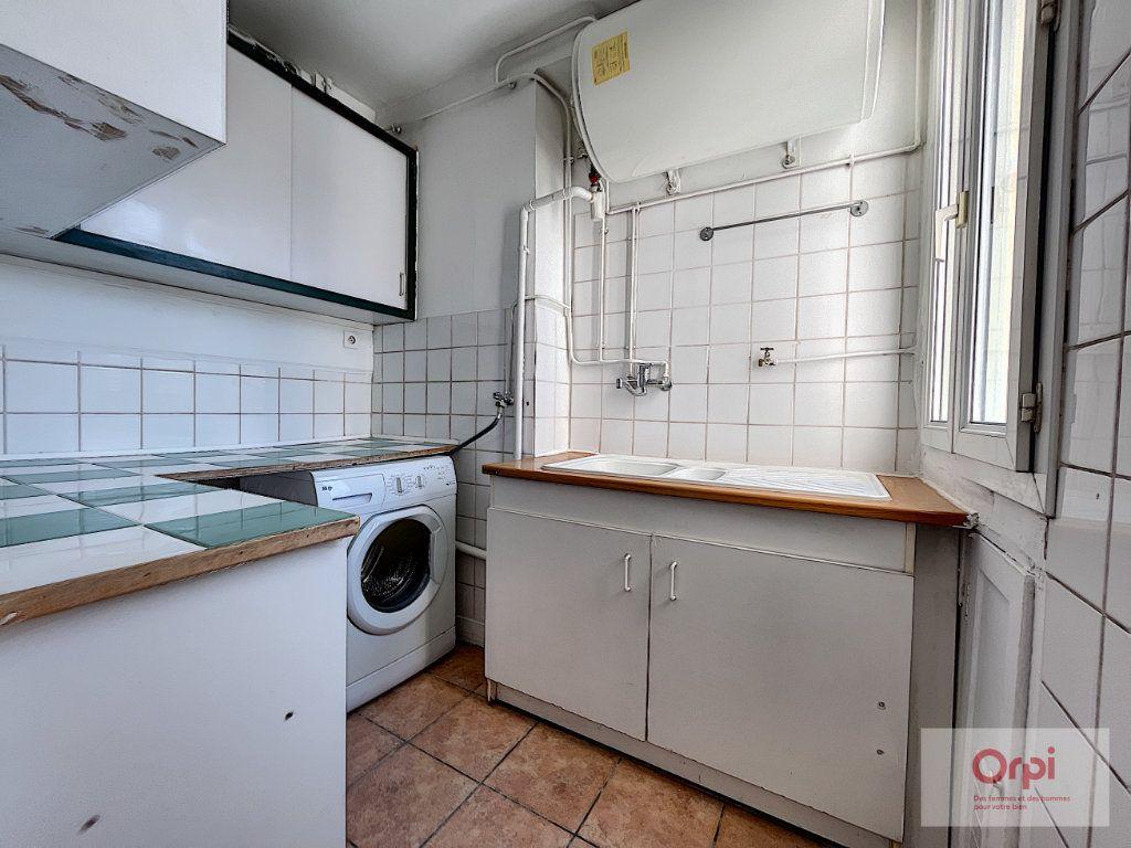 Appartement à louer 2 35m2 à Paris 14 vignette-3
