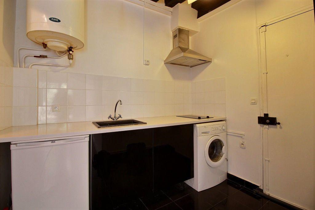 Appartement à louer 1 22m2 à Paris 3 vignette-2