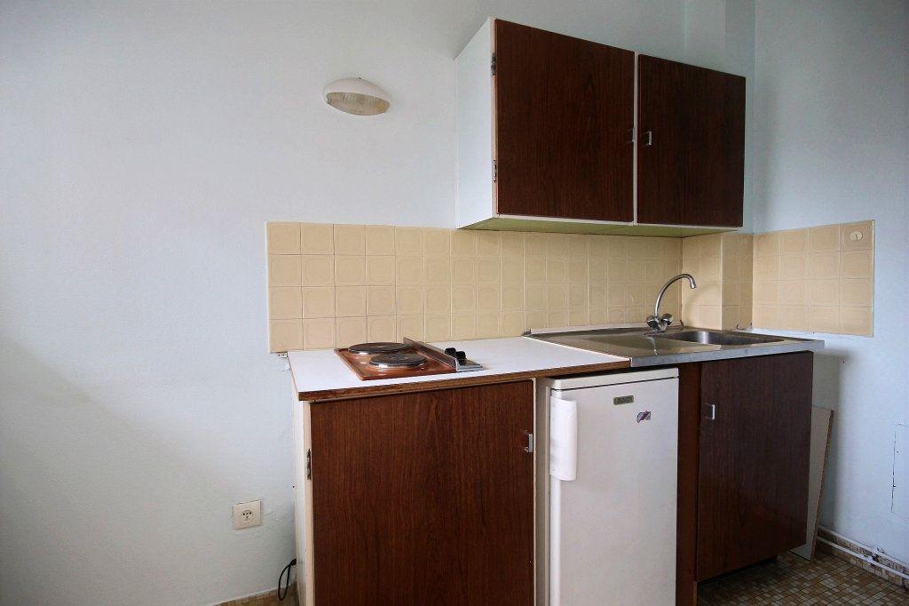 Appartement à louer 1 26.3m2 à Paris 14 vignette-3
