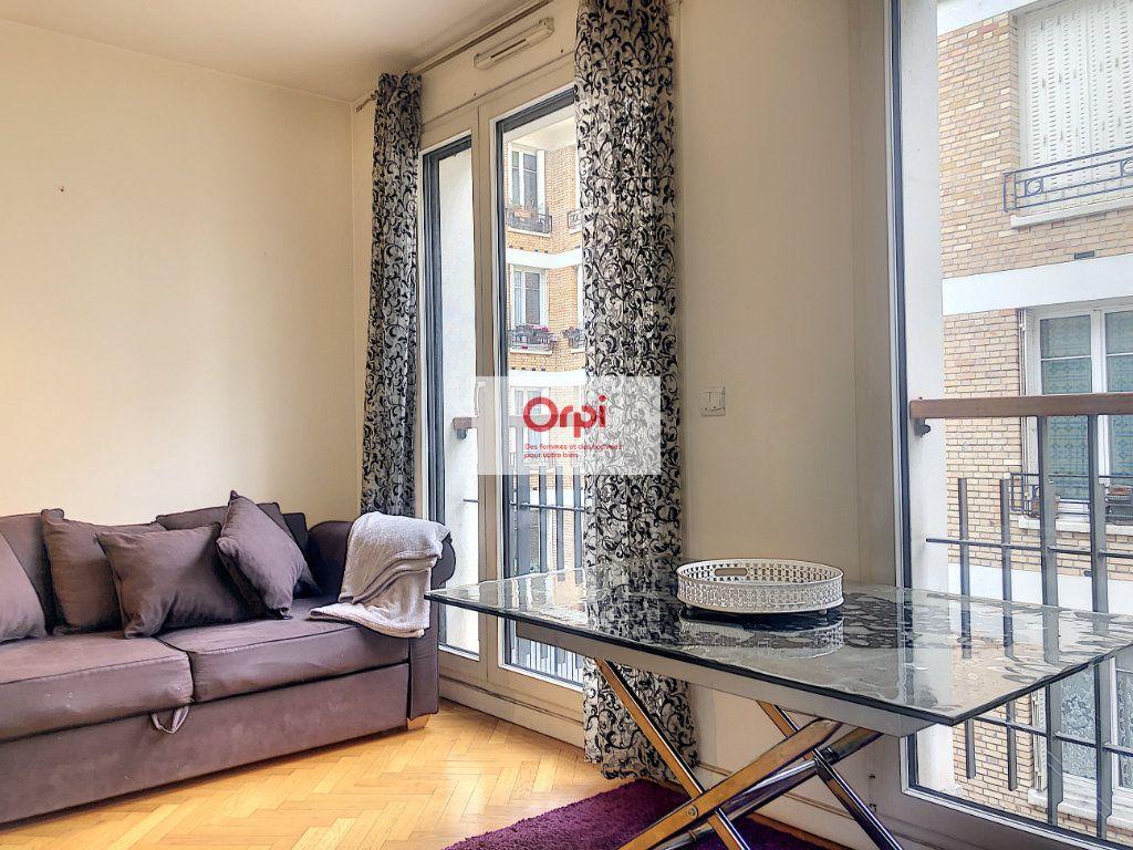 Appartement à louer 2 29.07m2 à Paris 15 vignette-2
