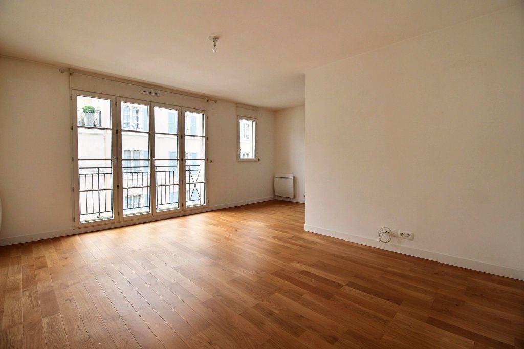 Appartement à louer 3 63m2 à Vanves vignette-1