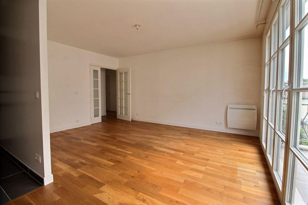 Appartement à louer 3 63m2 à Vanves vignette-2