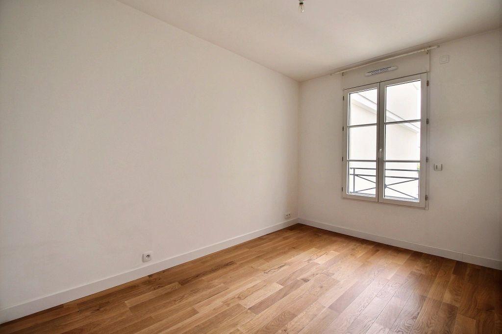 Appartement à louer 3 63m2 à Vanves vignette-4