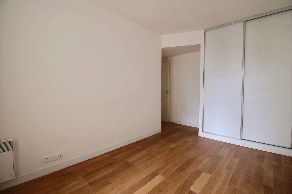 Appartement à louer 3 63m2 à Vanves vignette-5