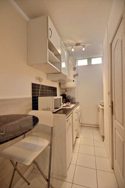 Appartement à louer 1 17m2 à Gentilly vignette-4