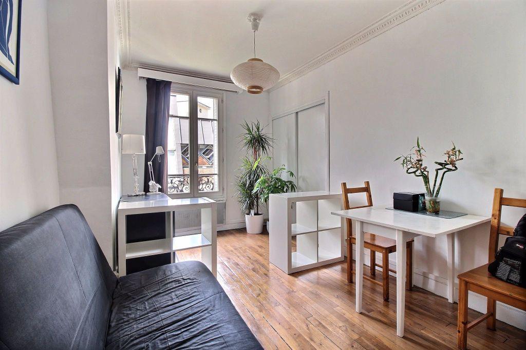 Appartement à louer 2 31.46m2 à Paris 14 vignette-1