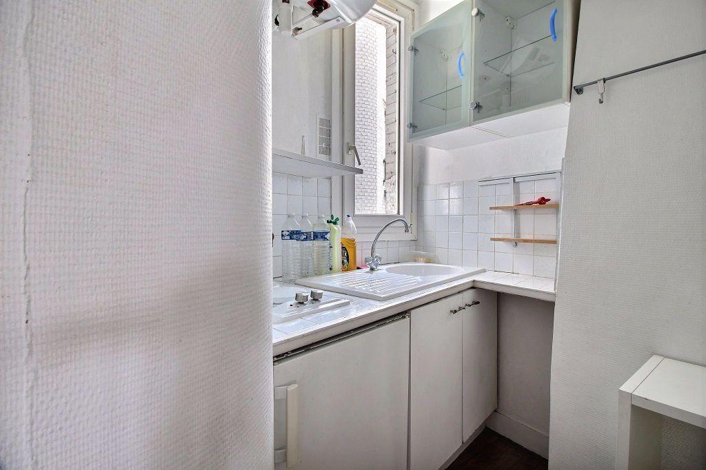 Appartement à louer 2 31.46m2 à Paris 14 vignette-3