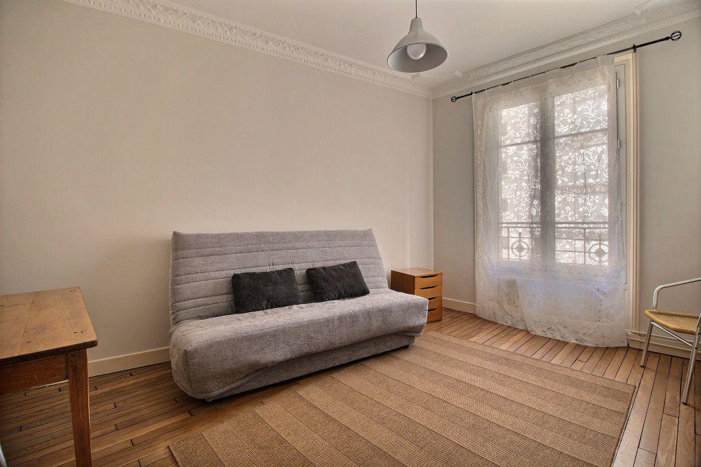 Appartement à louer 1 25.81m2 à Paris 14 vignette-1