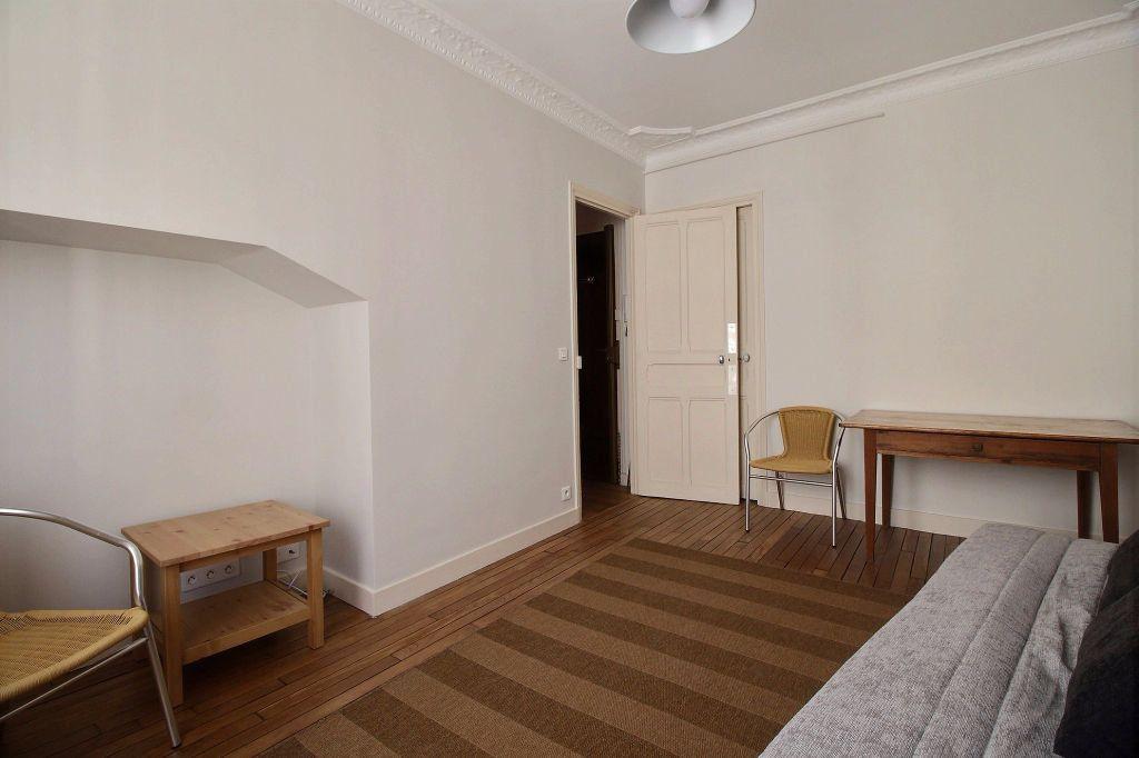 Appartement à louer 1 25.81m2 à Paris 14 vignette-2
