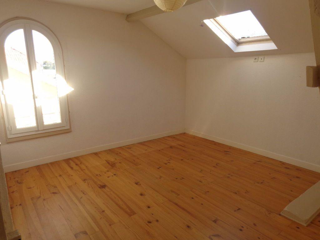 Appartement à louer 3 66m2 à Aire-sur-l'Adour vignette-5