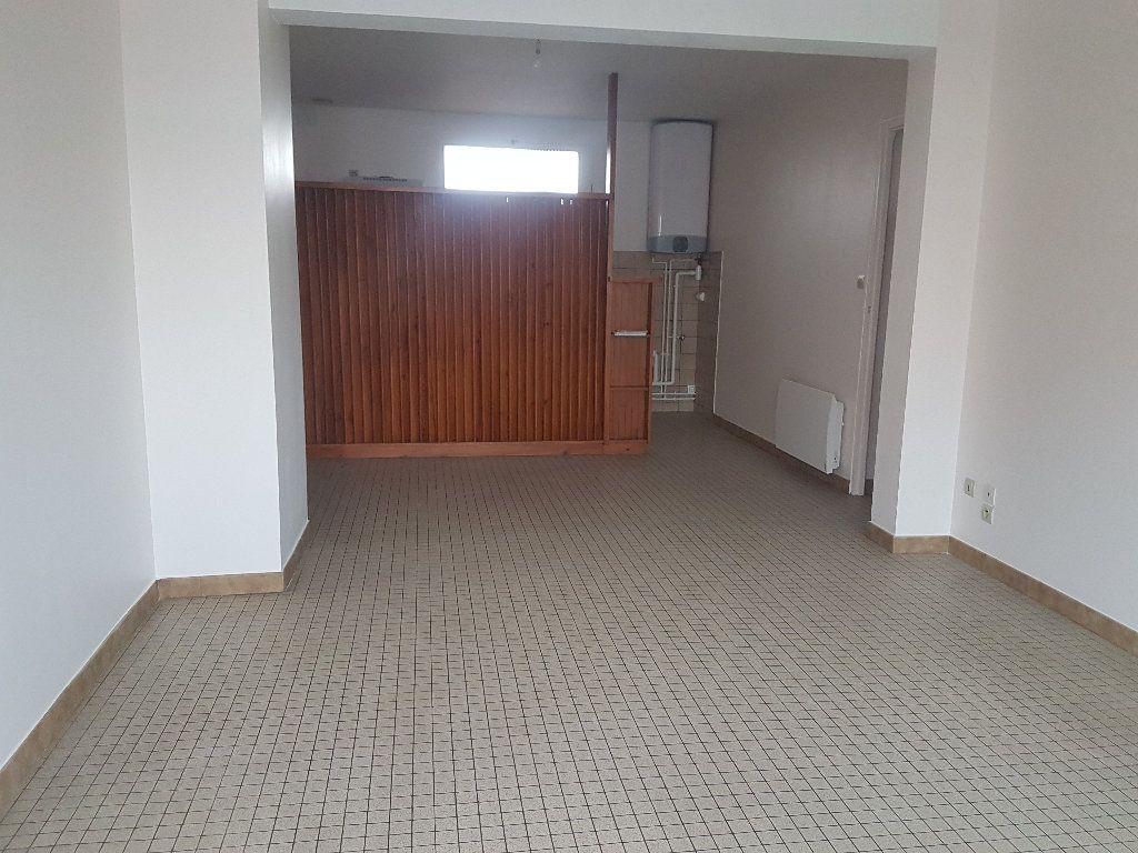 Appartement à louer 2 49m2 à Aire-sur-l'Adour vignette-2