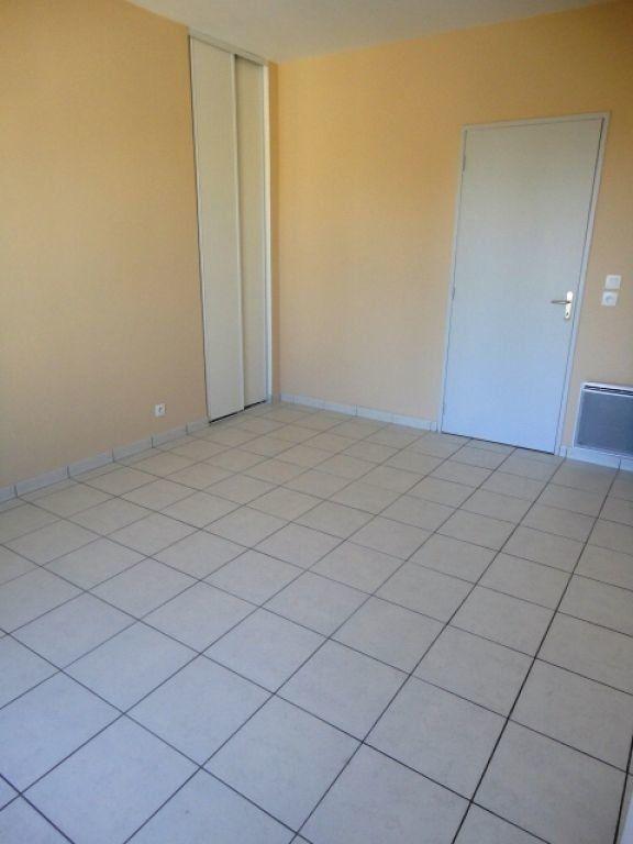 Appartement à louer 2 35m2 à Garlin vignette-3