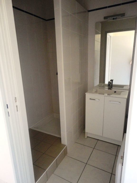 Appartement à louer 2 35m2 à Garlin vignette-5