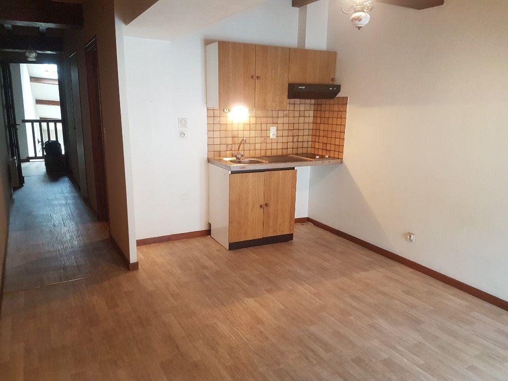 Appartement à louer 2 31m2 à Aire-sur-l'Adour vignette-2