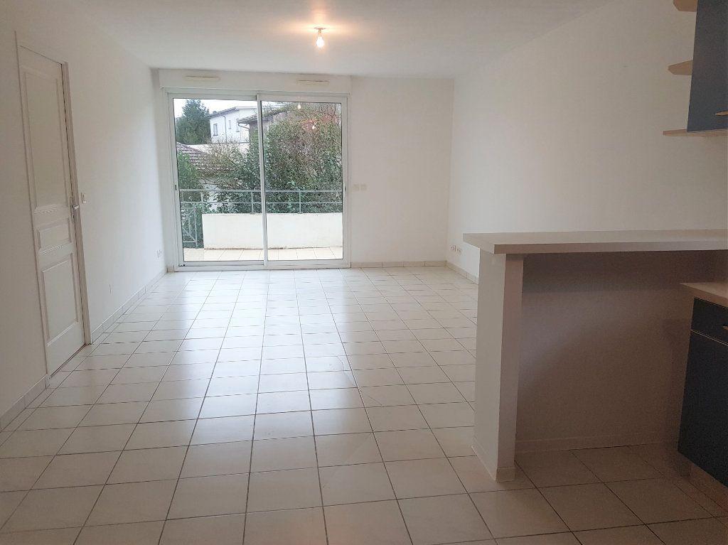 Appartement à louer 3 66m2 à Aire-sur-l'Adour vignette-2