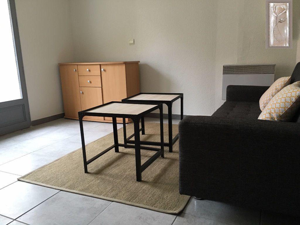 Appartement à louer 1 15m2 à Aire-sur-l'Adour vignette-2