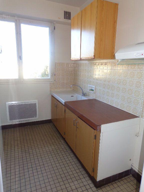Appartement à louer 1 35m2 à Aire-sur-l'Adour vignette-2