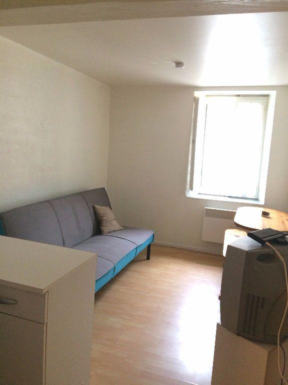 Appartement à louer 1 13m2 à Aire-sur-l'Adour vignette-2