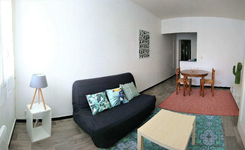 Appartement à louer 1 26m2 à Aire-sur-l'Adour vignette-1