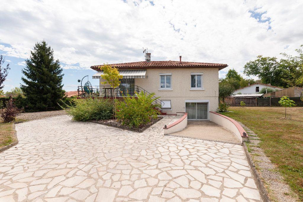 Maison à vendre 5 150m2 à Cazères-sur-l'Adour vignette-1