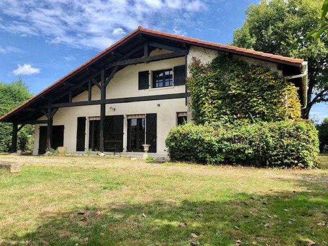 Maison à vendre 7 154m2 à Aire-sur-l'Adour vignette-9