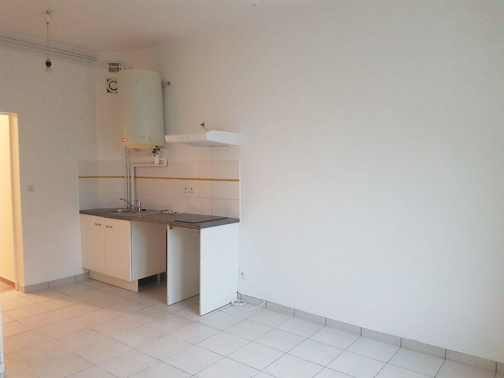 Appartement à louer 2 32m2 à Garlin vignette-1