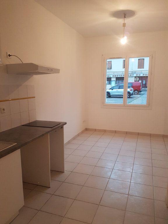 Appartement à louer 2 32m2 à Garlin vignette-2