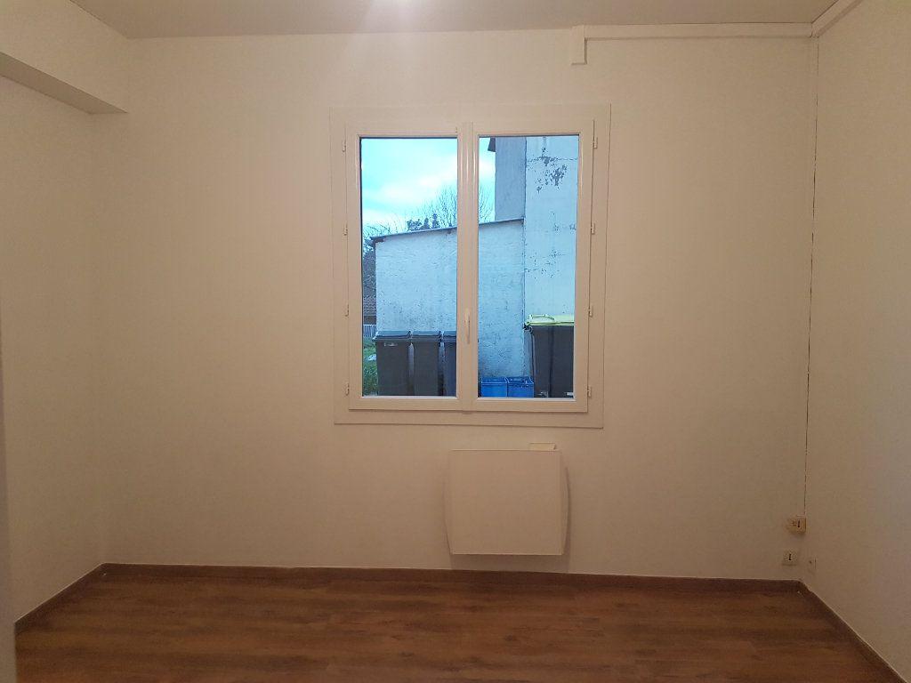 Appartement à louer 2 32m2 à Garlin vignette-3