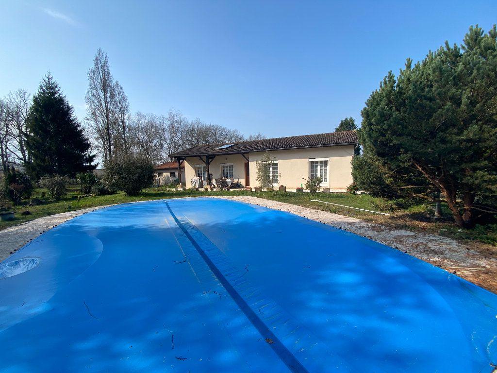 Maison à vendre 4 124m2 à Barcelonne-du-Gers vignette-1