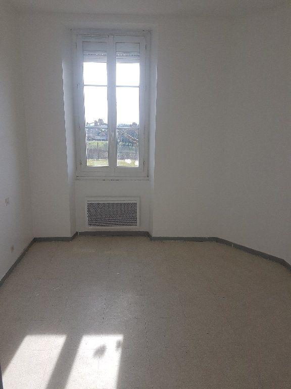 Appartement à louer 4 75m2 à Le Houga vignette-4