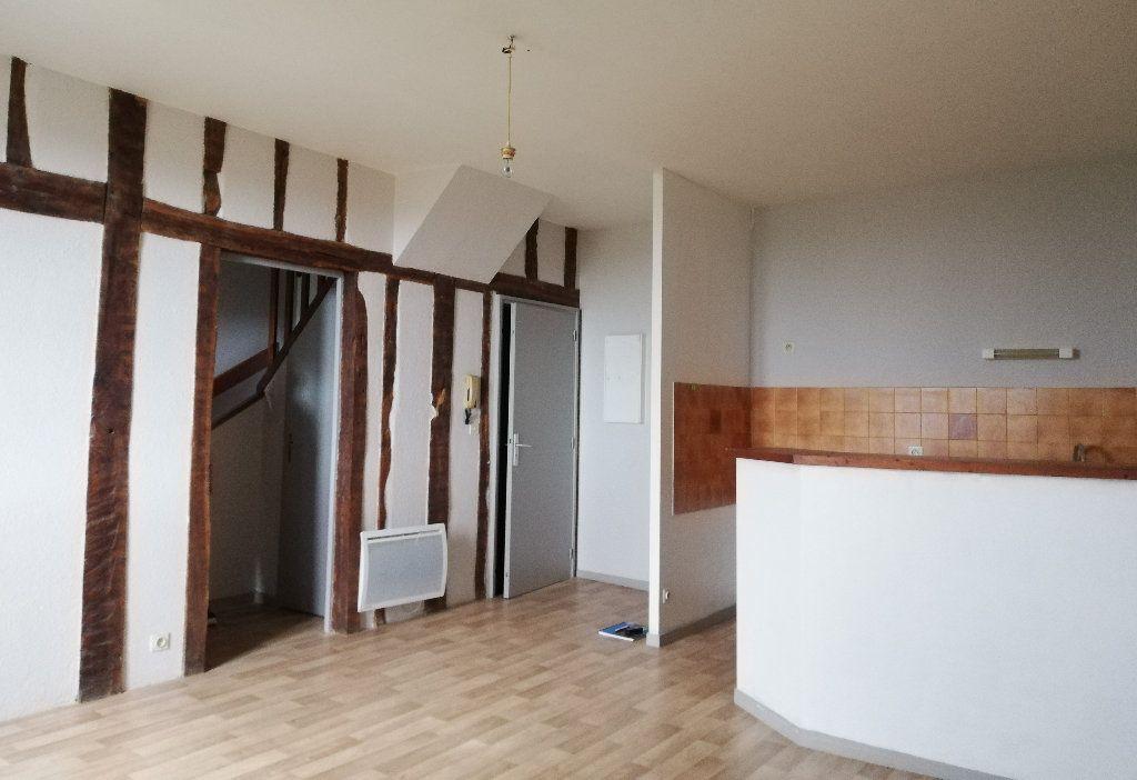 Appartement à louer 3 66m2 à Le Houga vignette-1