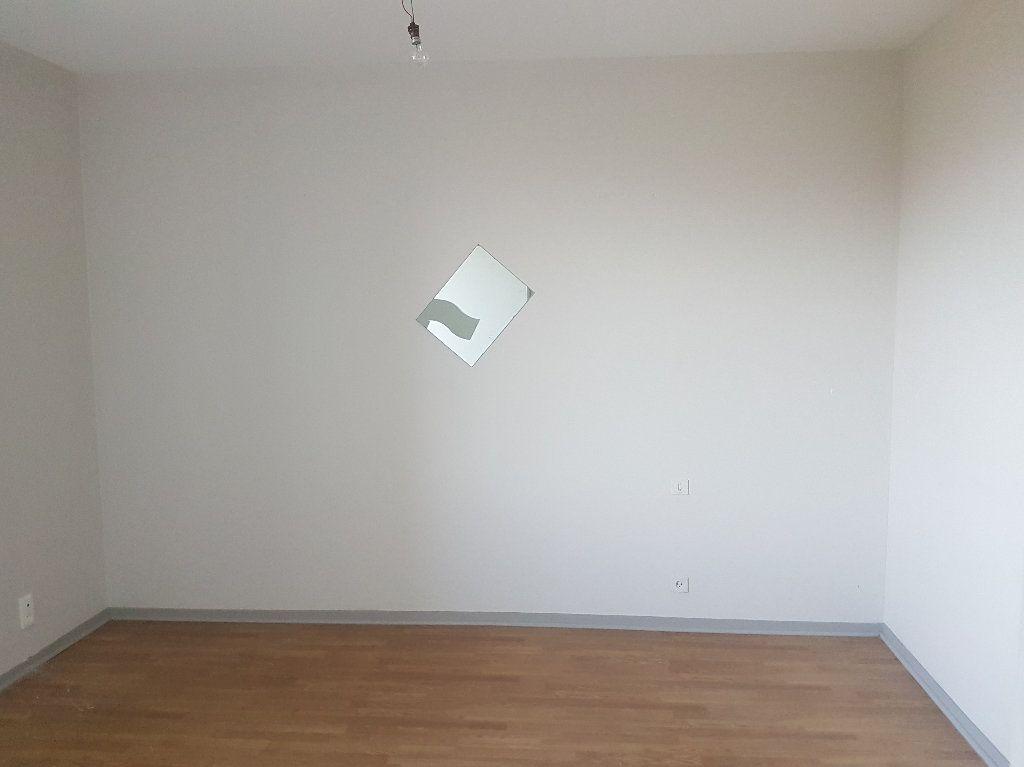 Appartement à louer 3 66m2 à Le Houga vignette-3