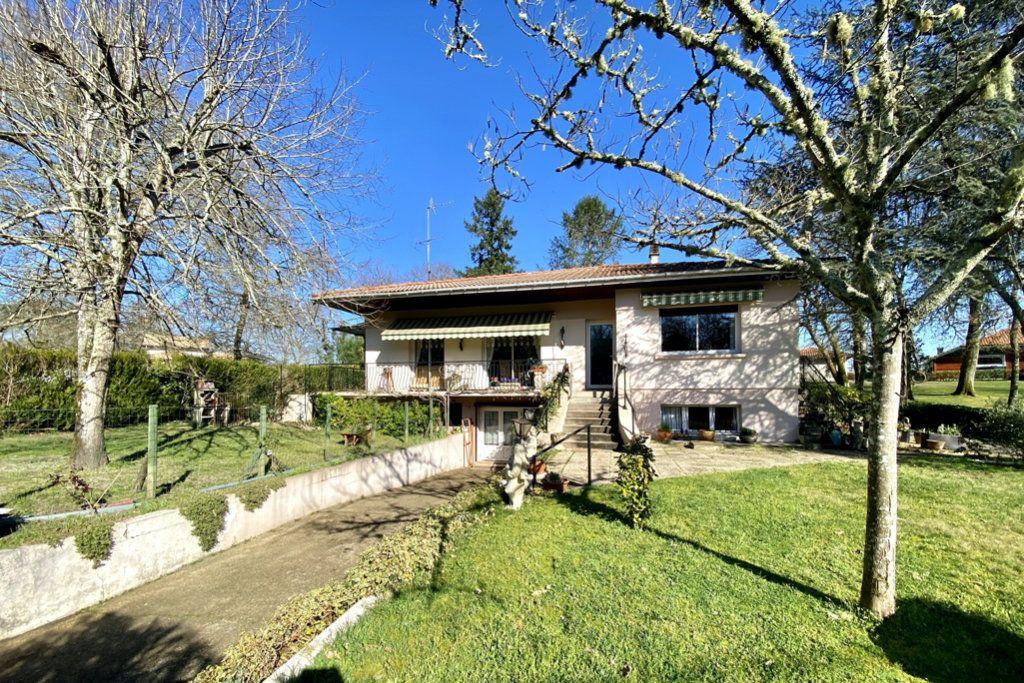 Maison à vendre 5 115m2 à Saint-Cricq-Villeneuve vignette-1