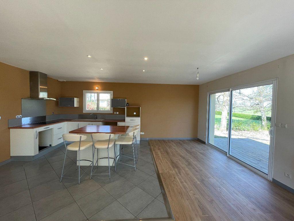 Maison à vendre 4 104m2 à Sorbets vignette-5