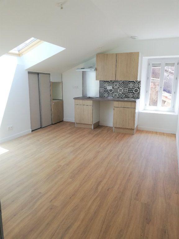 Appartement à louer 2 38m2 à Aire-sur-l'Adour vignette-1