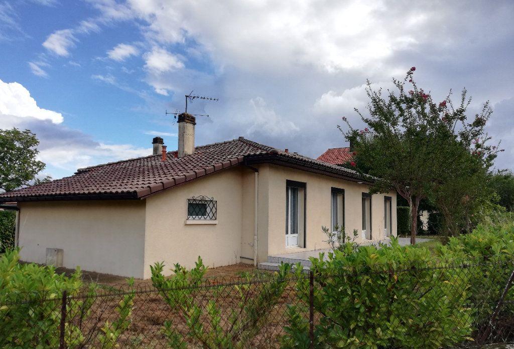 Maison à louer 4 100m2 à Aire-sur-l'Adour vignette-1