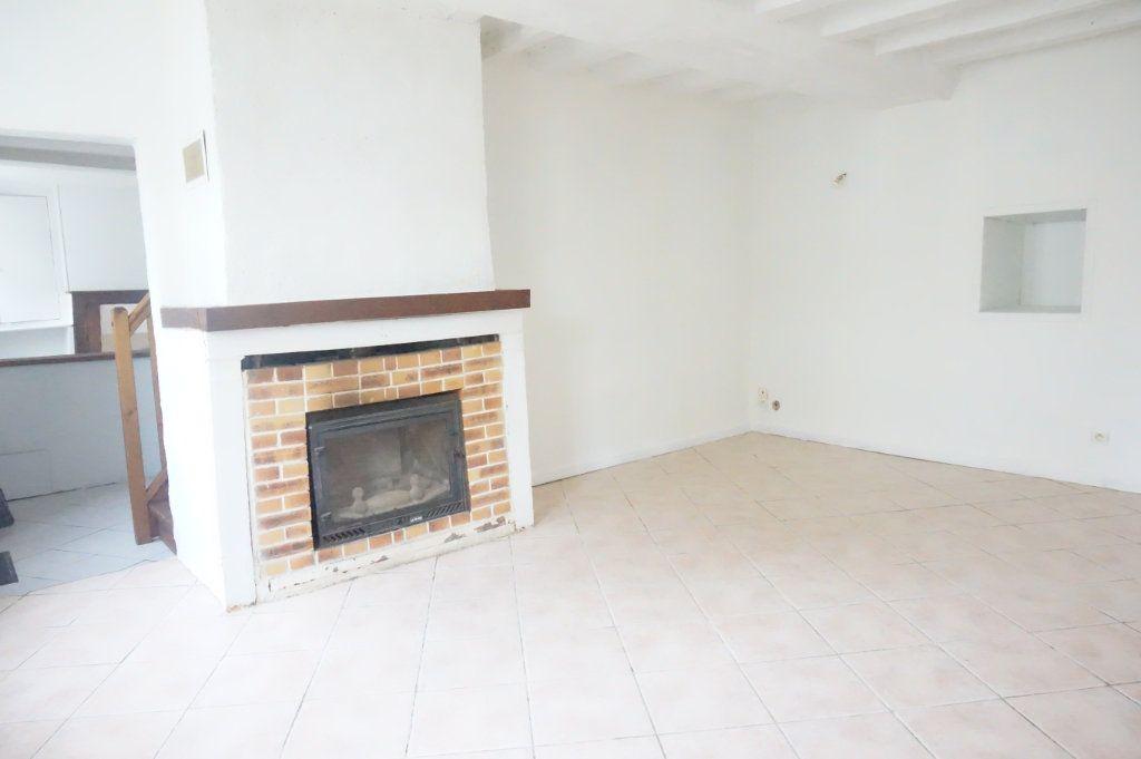 Maison à vendre 5 123m2 à Sully-sur-Loire vignette-1