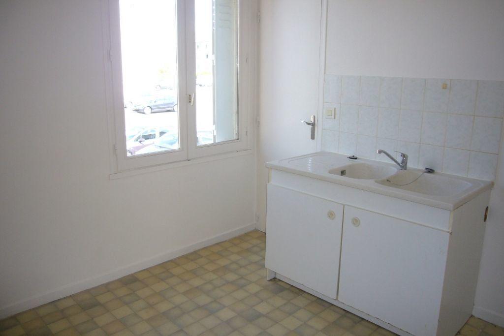 Appartement à louer 3 69m2 à Sully-sur-Loire vignette-2