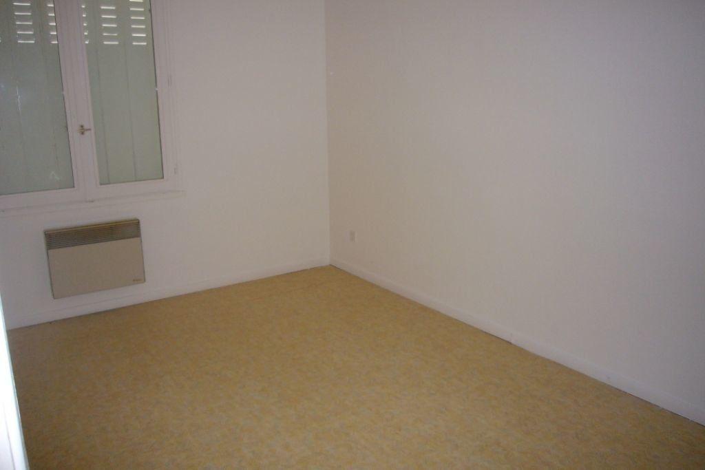 Appartement à louer 3 69m2 à Sully-sur-Loire vignette-3