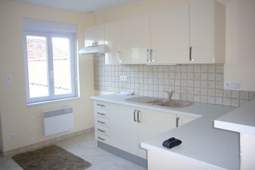 Appartement à louer 3 78m2 à Saint-Florent vignette-2