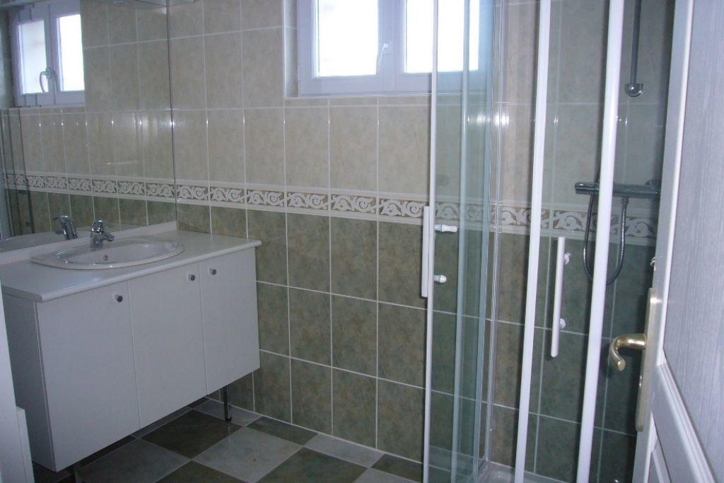 Appartement à louer 3 78m2 à Saint-Florent vignette-3