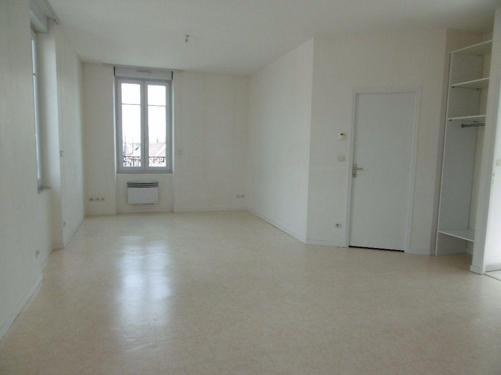 Appartement à louer 2 41m2 à Sully-sur-Loire vignette-2
