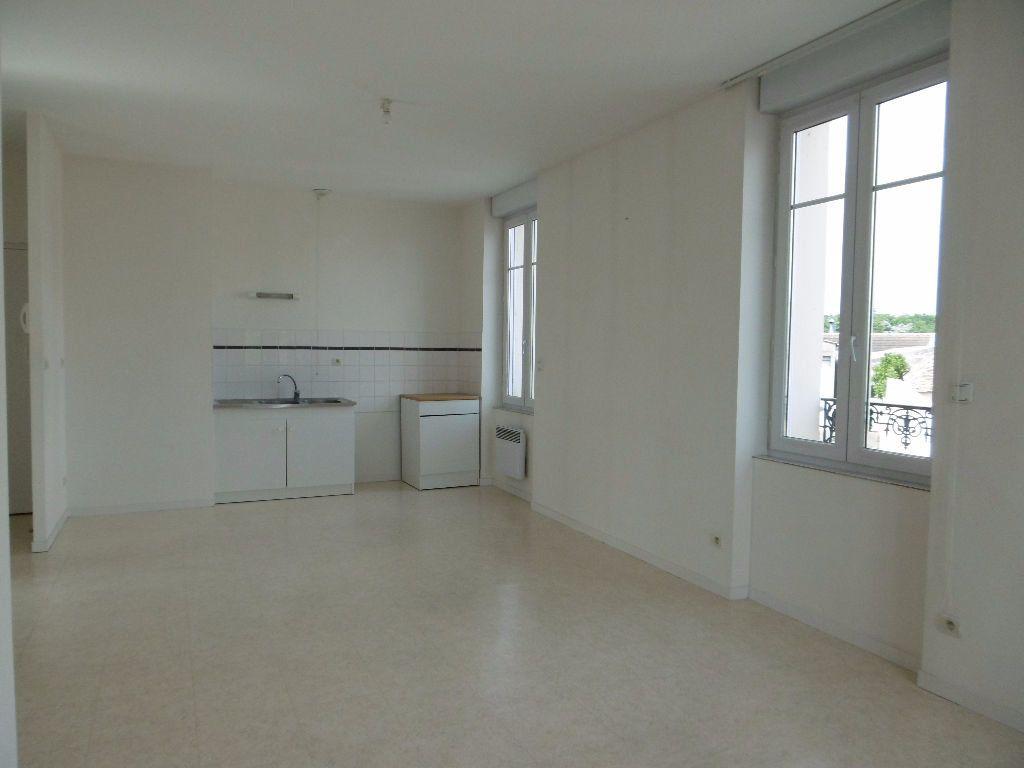 Appartement à louer 2 41m2 à Sully-sur-Loire vignette-3
