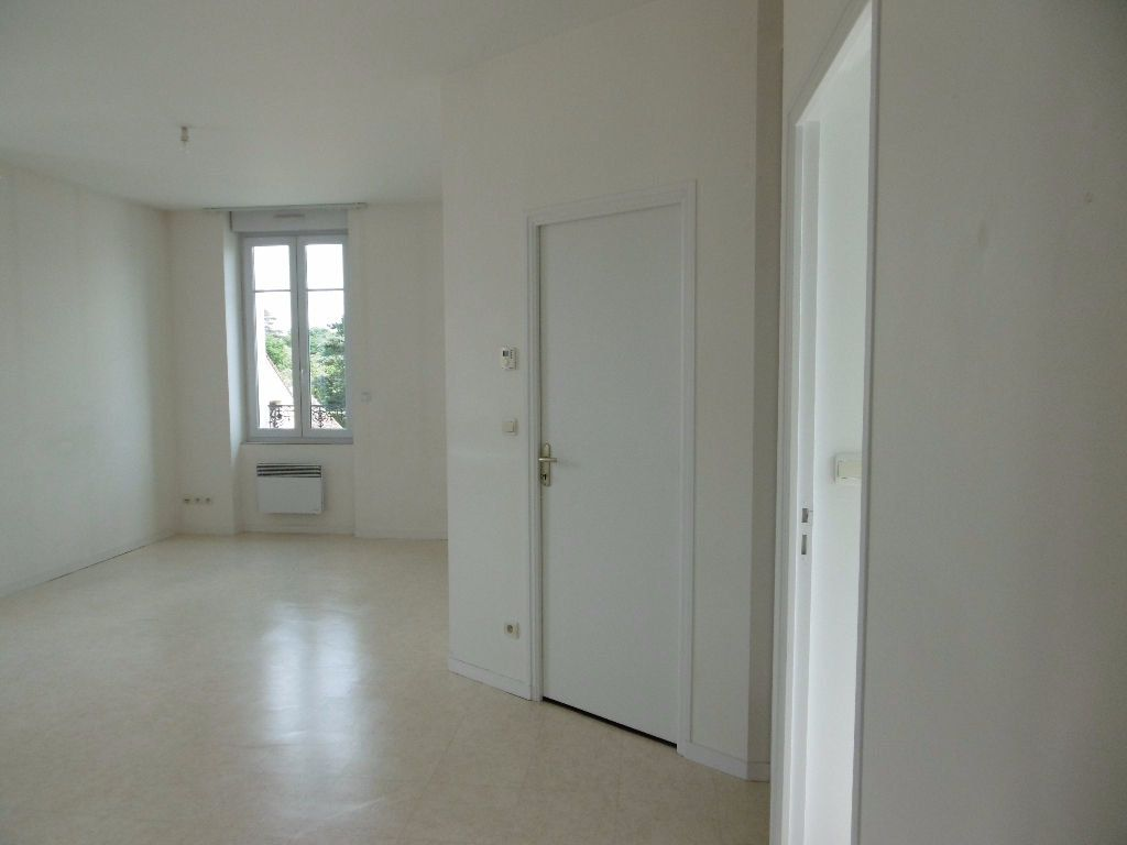 Appartement à louer 2 41m2 à Sully-sur-Loire vignette-4