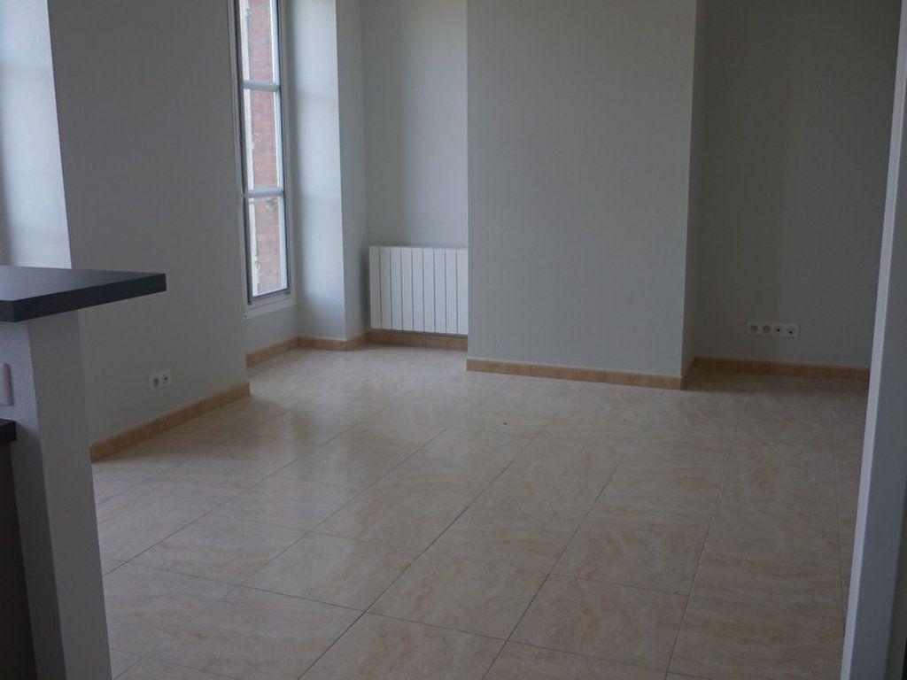 Appartement à louer 3 60m2 à Sully-sur-Loire vignette-3