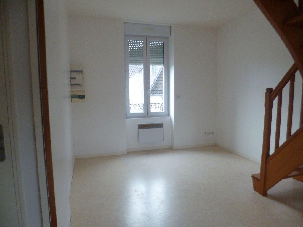 Appartement à louer 2 47m2 à Sully-sur-Loire vignette-1